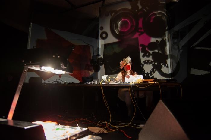 08.04.2018 / Studio 100 / Werkschau 2 / AV.Stream 100-1 im im Gaswerk Weimar / Foto: Henry Sowinski