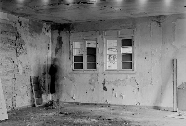 auderrose_brent_sqar_broken_funkhaus_01