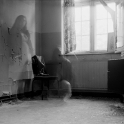 auderrose_brentsqar_elisabeth_piano_house_6x9_agfabox_02